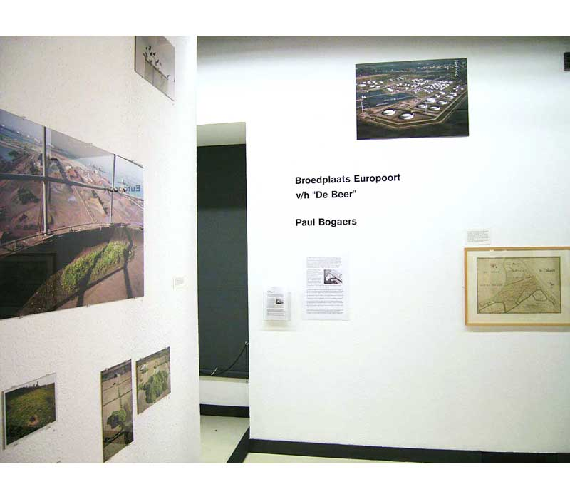 exhibition-views-08-nederlands-fotomuseum-2005